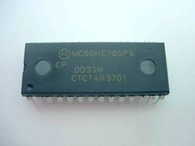 MC68HC705P9 IC Microcontrolador 28DIP