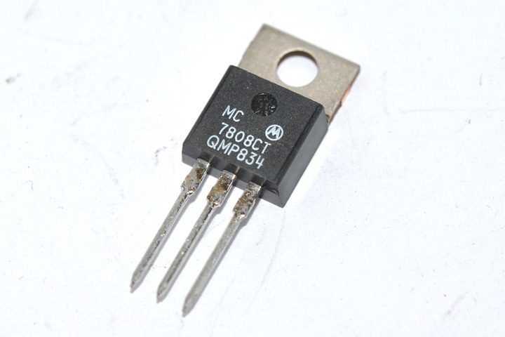MC7808CT IC Regulador 8V.C.D./T0220